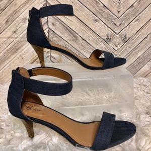 NWOT Style&Co 10W chambray strappy kitten heel
